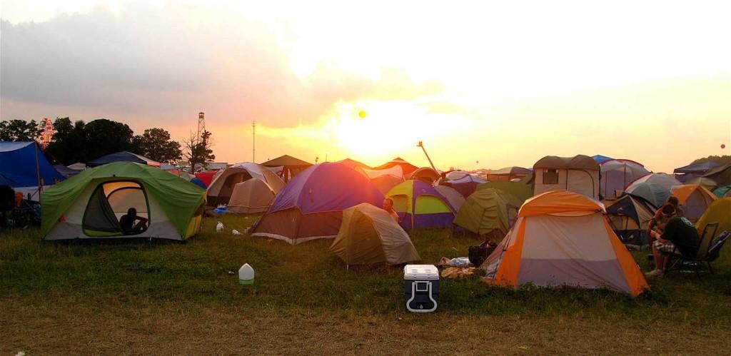 Bonnaroo - JASON ANFINSEN_CampTrend
