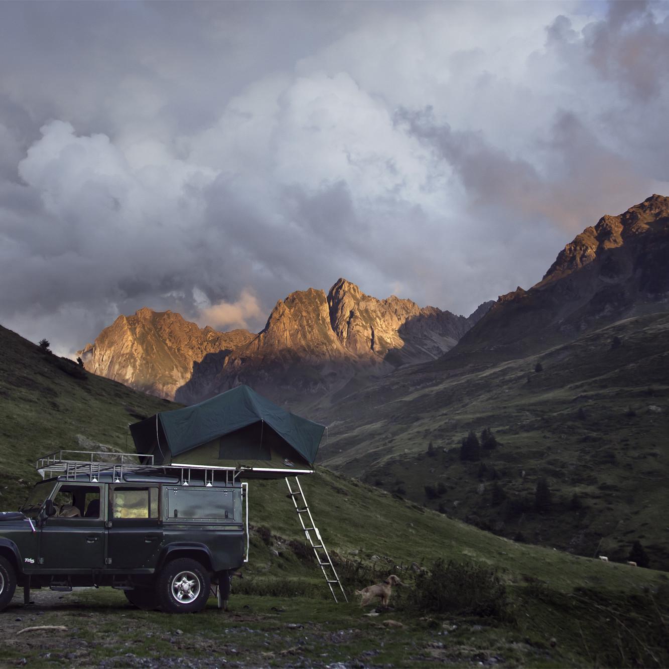 Chris Scott - Pyrenees Mount Score!