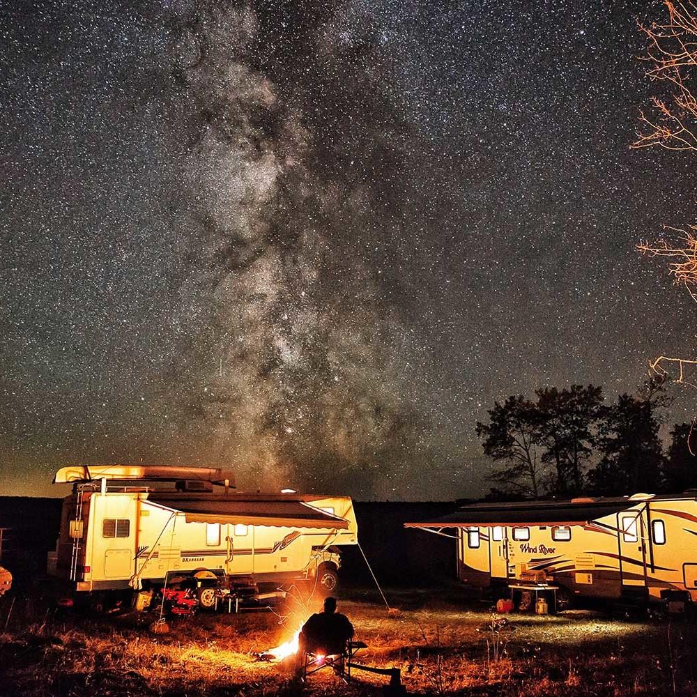 Nicolas-Drader---Dog-Creek-Campfire-CampTrend