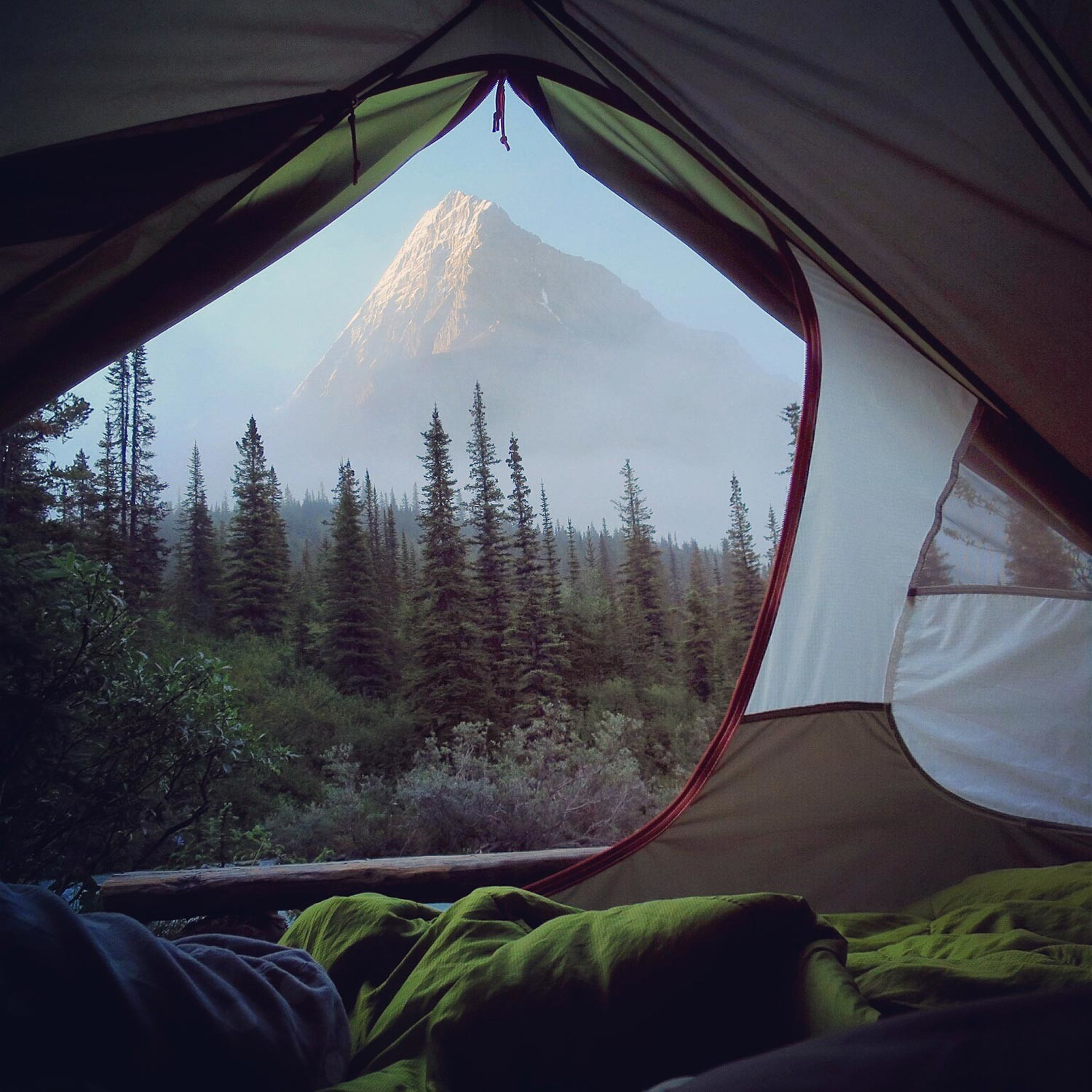 Stephen-Walasavage---Majestic-Morning-View---CampTrend